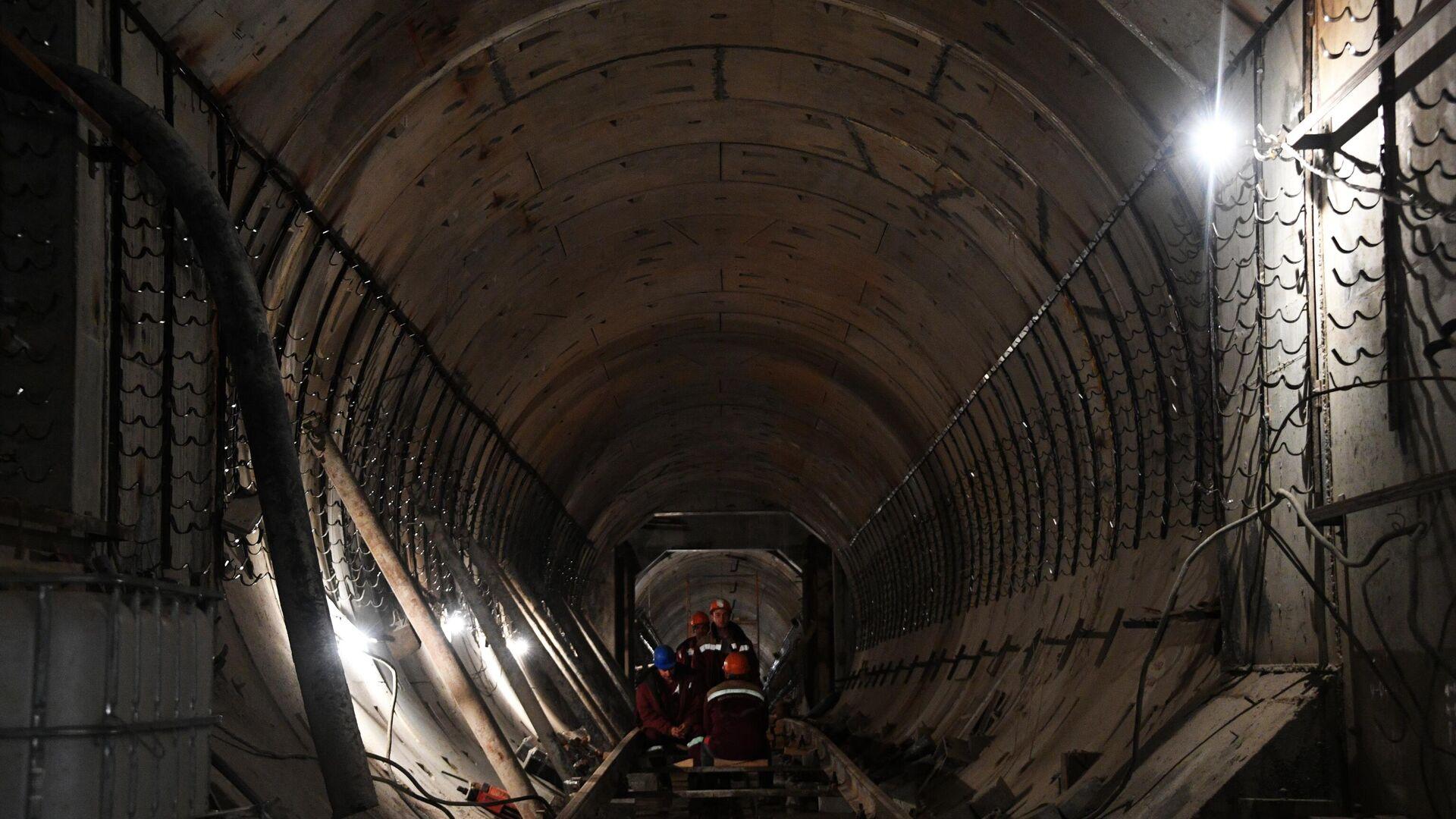 На Юге Китая не менее 13 рабочих погибли при затоплении строящегося туннеля