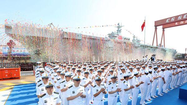 Первый универсальный десантный корабль военно-морских сил Народно-освободительной армии Китая