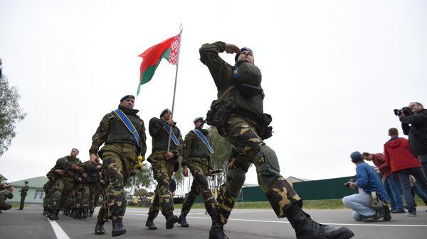 Военнослужащие подразделения Вооруженных сил Белоруссии, входящего в состав Коллективных миротворческих сил