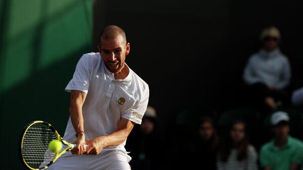 Теннисист Адриан Маннарино (Франция)