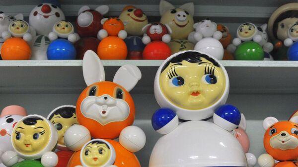 Производство кукол-неваляшек