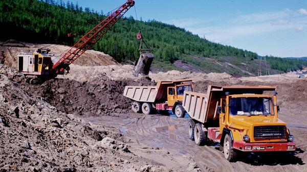 Участок строительства трассы Бамовская-Тында-Беркатит, которая соединит Байкало-Амурскую железнодорожную магистраль с Транссибирской магистралью. 1977 год