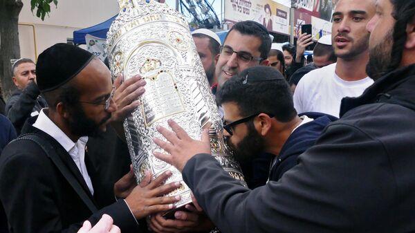 Паломники-хасиды, прибывшие в город Умань на празднование Нового года Рош ха-Шана