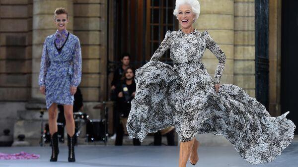 Британская актриса Хелен Миррен на показе коллекции женской одежды весна-лето 2020 Ready-to-Wear в Париже. 28 сентября 2019