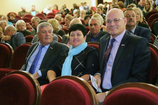 Парламентарии приняли участие в торжественной церемонии открытия фестиваля Молодежь – за Союзное государство