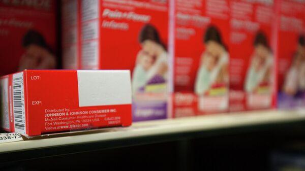 Болеутоляющие средства компании Johnson&Johnson в аптеке