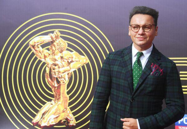 Актер Александр Олешко перед началом торжественной церемонии вручения премии ТЭФИ-2019 в Московском театре мюзикла