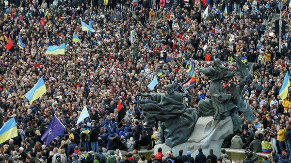 ВКиеве митинг против реализации «формулы Штайнмайера» собрал несколько тыс.  человек