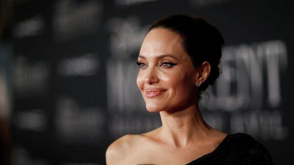 Актриса Анджелина Джоли на премьере фильма Малефисент: Госпожа зла в Лос-Анджелесе