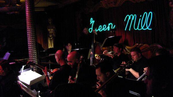 Клуб Green Mill Cocktail Lounge в Чикаго (внутри)