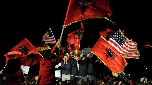 Сторонники партии Самоопределение в Приштине