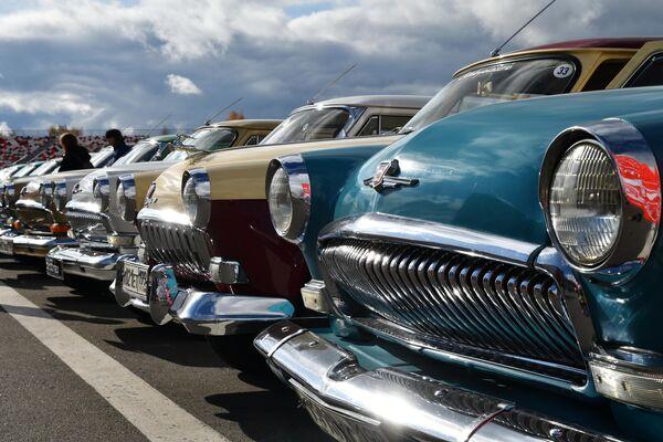 Автомобили ГАЗ на фестивале Moscow Classic 2019