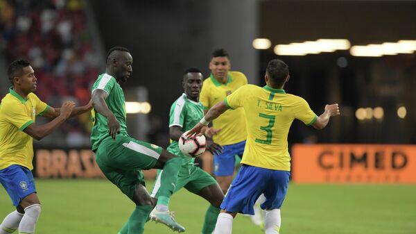 Сборные Бразилии и Сенегала в товарищеском матче