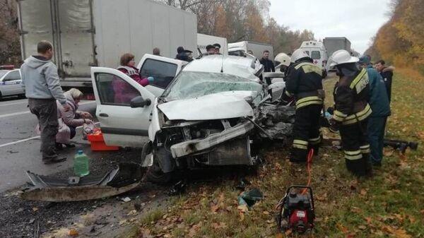 ДТП в результате столкновения двух автомашин на федеральной трассе М-2 Крым в Тульской области
