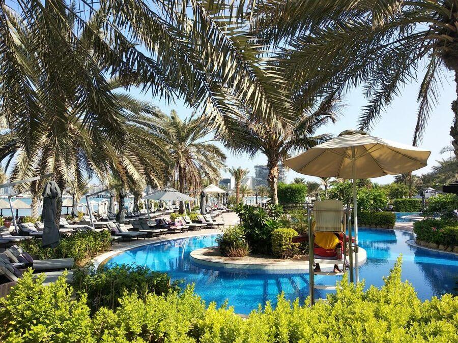 Отель The Westin Dubai Mina Seyahl Beach Resort & Marina