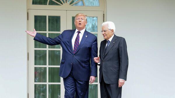 Президент США Дональд Трамп и президент Италии Серджо Маттарелла во время встречи в Вашингтоне