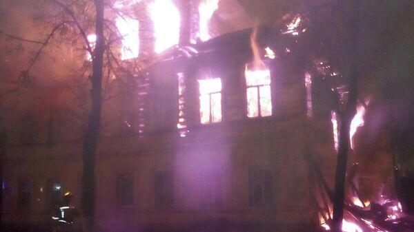 Пожар в многоквартирном доме в Ростове