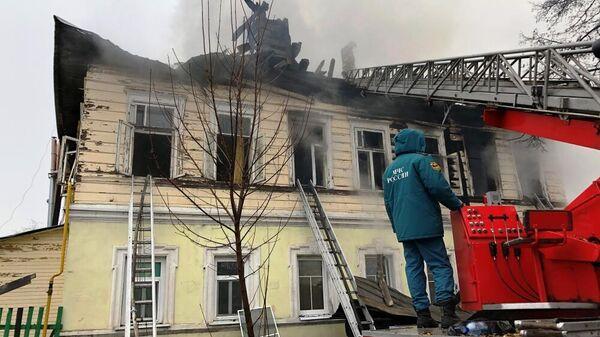 Ликвидация пожара в многоквартирном доме в Ростове