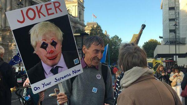 Акция в поддержку повторного референдума по Brexit People's Vote March на Parliament Square в Лондоне