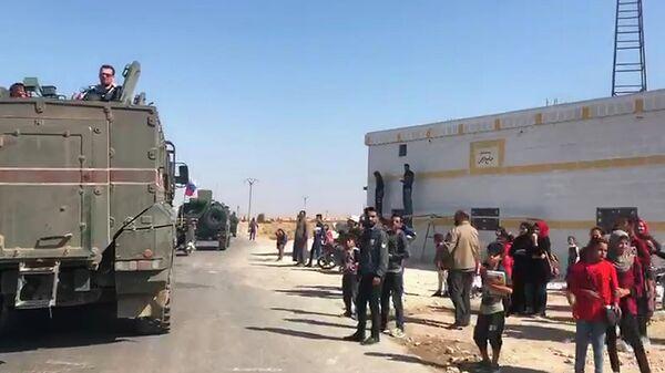 Колонна военной полиции РФ пересекла Евфрат и движется к пограничному сирийскому городу Кобани