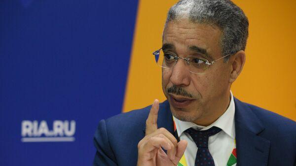 Министр энергетики Марокко Азиз Раббах во время интервью журналисту РИА Новости на экономическом форуме Россия - Африка в Сочи