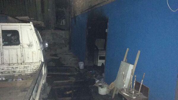 Последствия пожара  в подсобном помещении по улице Патрокл  в городе Владивостоке в районе кладбища