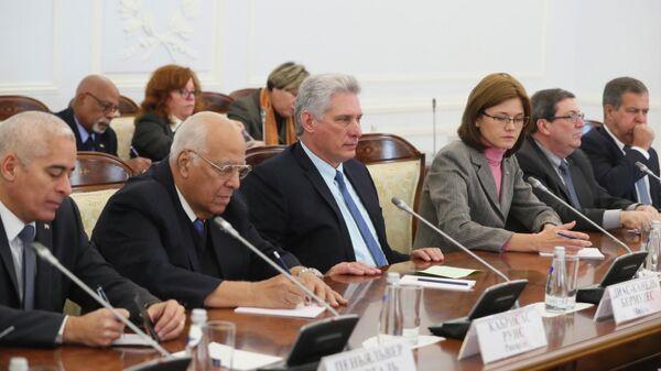 Президент Кубы Мигель Диас-Канель Бермудес во время встречи с губернатором Санкт-Петербурга Александром Бегловым