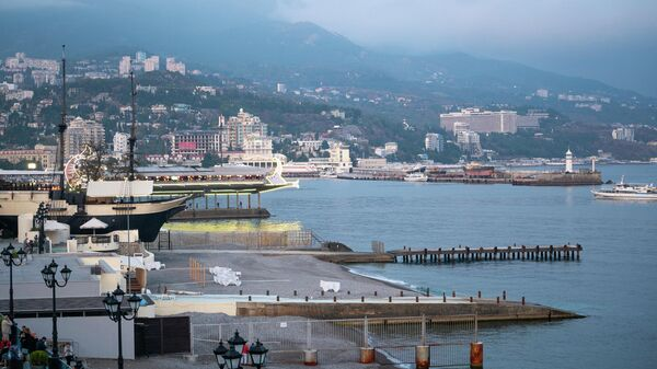Крым. Ялта. Вид на набережную