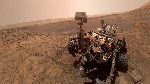 Селфи марсохода Curiosity на хребте имени Веры Рубин на Марсе. 11 октября 2019 год