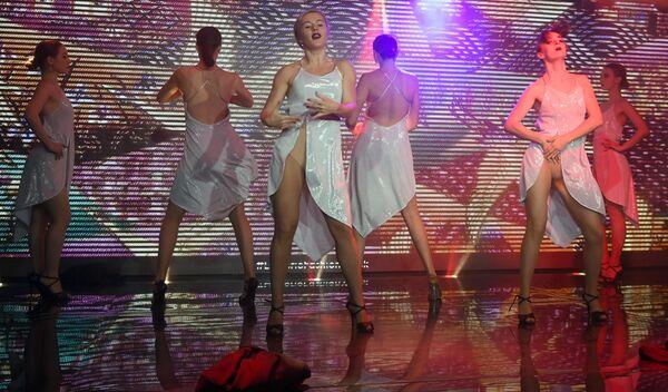 Участницы показа коллекции нижнего белья Senselle by Felina в рамках Lingerie Fashion Week