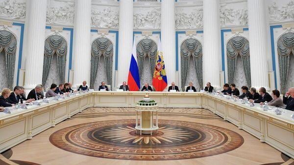 Президент РФ Владимир Путин проводит заседание Совета при президенте РФ по русскому языку. 5 ноября 2019
