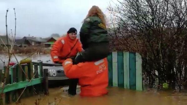 Осадки подтопили 32 населенных пункта Новгородской области