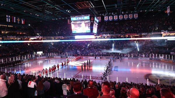 Хоккеисты сборных России и Финляндии