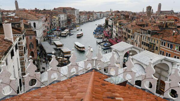 Вид на Венецию с террасы Фондако деи Тедески