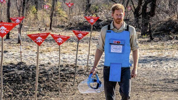Принц Гарри на минном поле в Дирико, Ангола 27 сентября 2019 года