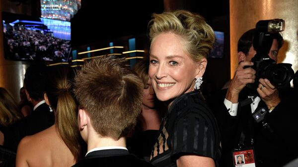 Шарон Стоун принимает участие в 75-й ежегодной церемонии вручения премии Золотой глобус
