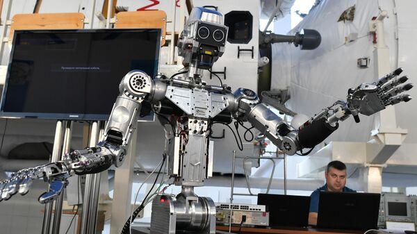 Технологический макет No 1 проекта Спасатель, представленный на конференции Пилотируемые полёты в космос