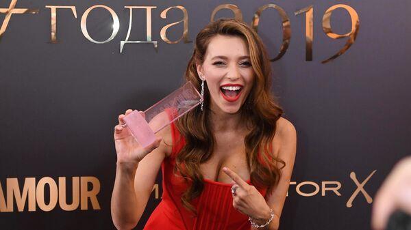 Телеведущая Регина Тодоренко, победившая в номинации Женщина года 2019 по версии журнала Glamour, после церемонии награждения