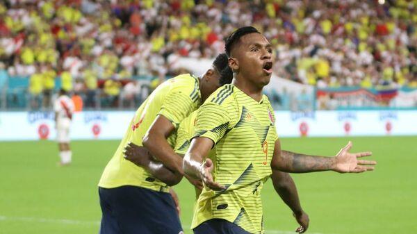 Альфредо Морелос радуется забитому мячу