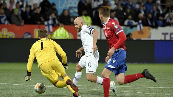 Игровой момент матча Финляндия - Лихтенштейн