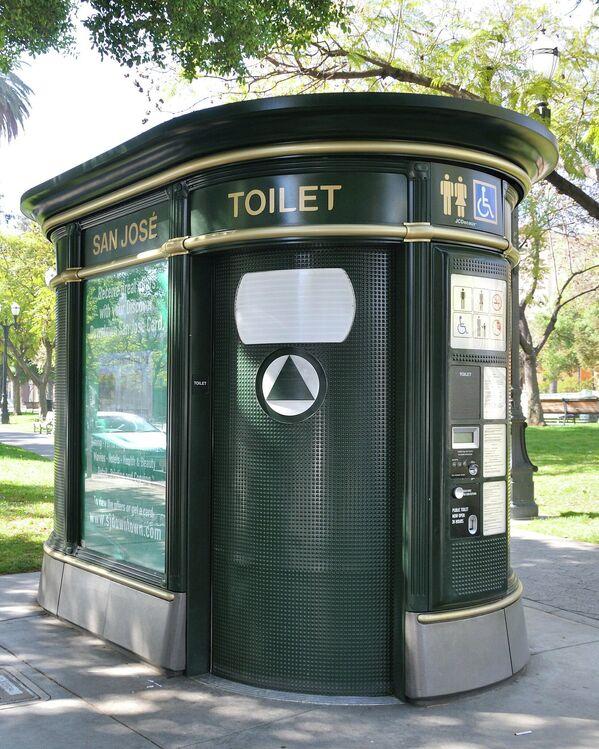 Общественный туалет в США