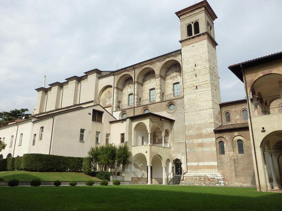 Музей Санта Джулия, монастырь