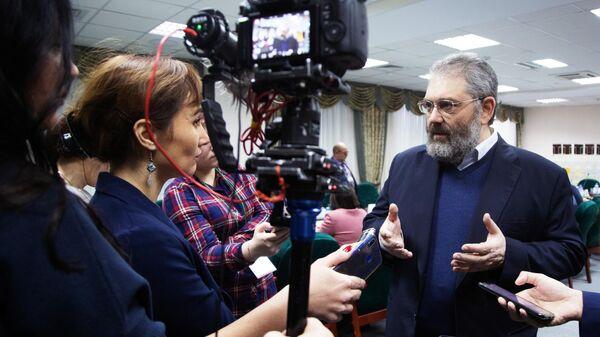 Главный редактор новой электронной энциклопедии Сергей Кравец на презентации проекта российского аналога Википедии в Уфе. 21 ноября 2019
