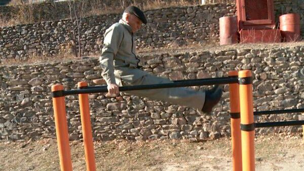 Каждый день занимаюсь: 90-летний пенсионер качается и бегает по 5 км