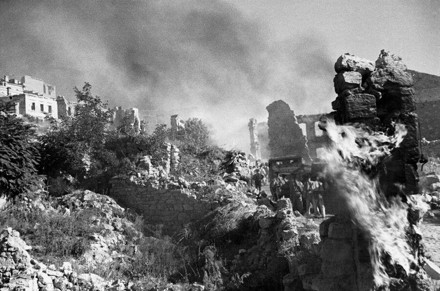 Великая Отечественная война 1941-1945 годов. Руины Севастополя.