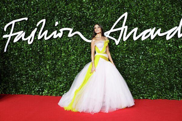 Модель и актриса Оливия Калпо на церемонии вручения премии British Fashion Awards 2019
