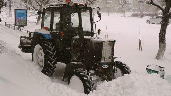 Ликвидация последствий снежного циклона в Комсомольске-на-Амуре