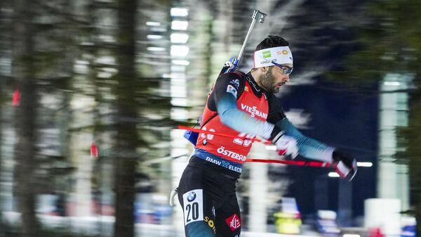 Мартен Фуркад на дистанции индивидуальной гонки на 20 км