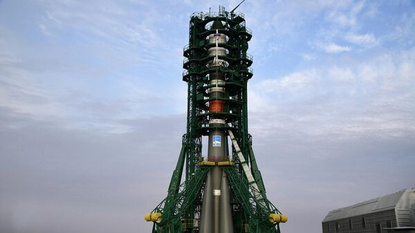 Ракета-носитель Союз-2.1а с грузовым кораблем Прогресс МС-13 перед стартом