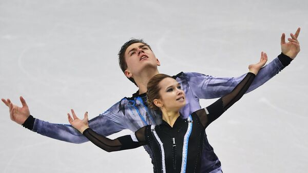 Фигуристы Дарья Павлюченко и Денис Ходыкин